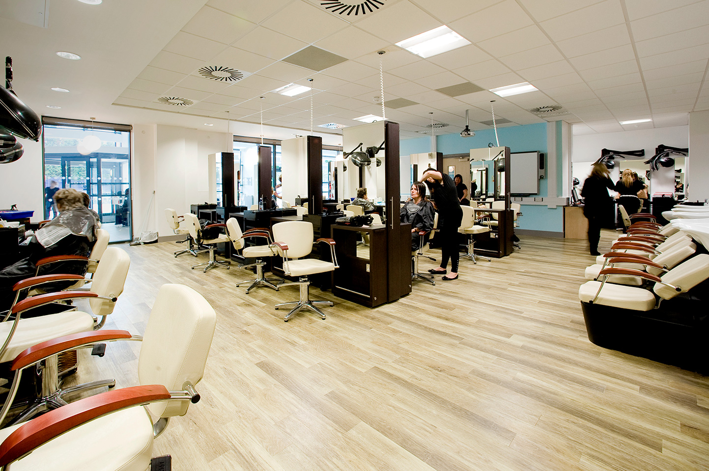 Eden salons highbury ac for Photo salon