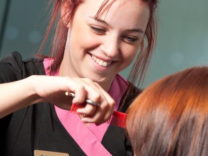 Student giving haircut at Eden Hair and Beauty